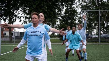 Een foto van een voetbalwedstrijd uit All Stars