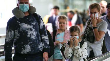 Steeds meer vraag naar mondkapjes op Schiphol vanwege coronavirus