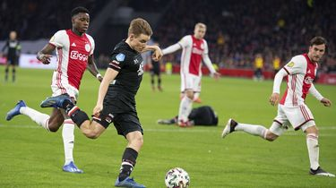 AZ brengt spanning terug in titelrace tegen Ajax