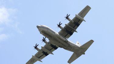 Amerikaans marinevliegtuig tekent enorme penis