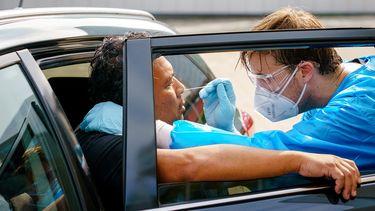 Bij het RIVM zijn tot vanmorgen 10.00 uur 5703 nieuwe besmettingen met het coronavirus gemeld.