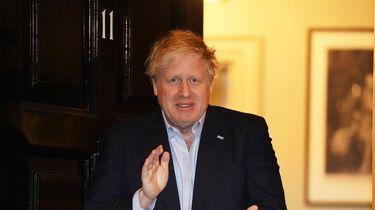 Boris Johnson kijkt Love Actually in ziekenhuisbed