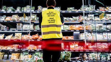 Man bespuwt supermarktmedewerker na ruzie over 1,5-meter-maatregel