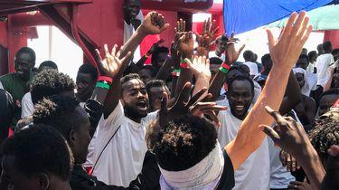 Migranten Ocean Viking aangekomen op Malta