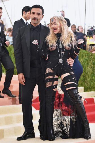 Ontwerper Riccardo Tisci weg bij modemerk Givenchy