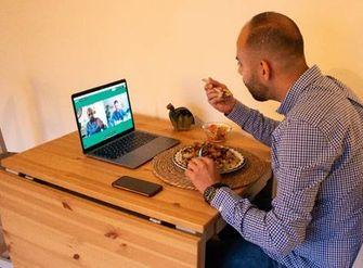 Een foto van een video-etentje op Valentijnsdag