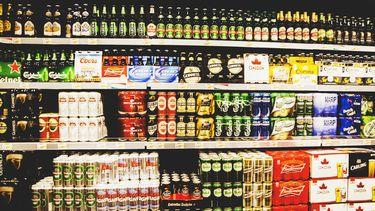 De verkoop van alcohol na 22.00 uur in de gemeente Utrecht wordt mogelijk aan banden gelegd.