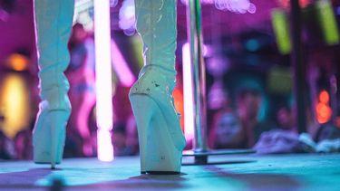 Club opent drive-through met eten, drinken én strippers | Foto: Getty Images