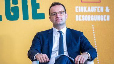 Een foto van minister Spahn die niet wil dat Duitsers over de grens op vakantie gaan