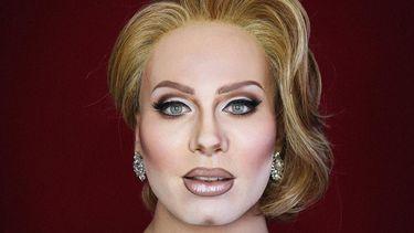 Een foto van Elliot als Adele