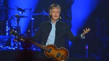 Een foto van Paul McCartney die optreedt in O2 Arena in Londen