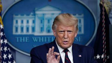 Een foto van een speechende Donald Trump