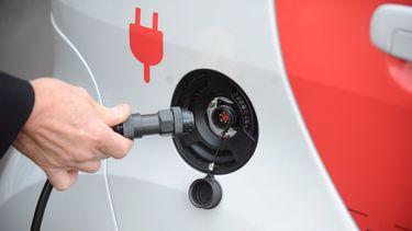 De elektrische auto wordt steeds populairder.