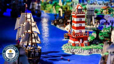 Een foto van een deel van het recordbouwwerk met LEGO