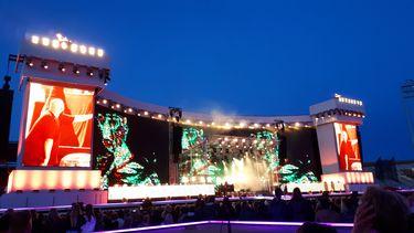 De Jeugd breekt Olympisch Stadion af