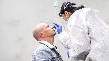 Een foto van een test in Lansingerland om besmettingen te vinden