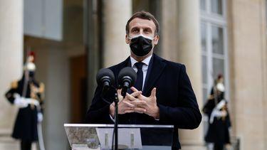 Een foto van president Macron die positief is getest