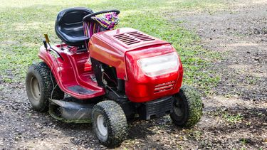 Kindje (6) zwaargewond door ongeval met grasmaaier