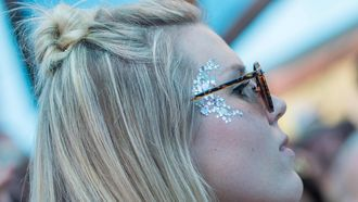 Glitters mogen er dit festivalseizoen weer helemaal wezen. Foto: ANP