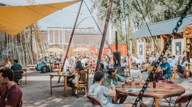 Foto van een coronaproof festivalterrein
