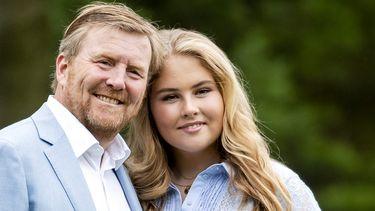Koning Willem Alexander en zijn dochter Prinses Amalia