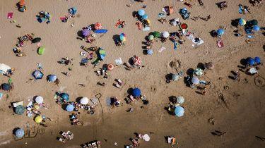 Files richting stranden vanwege warme weer