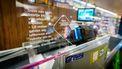Beperkt aantal klanten in supermarkt, winkelwagens verplicht