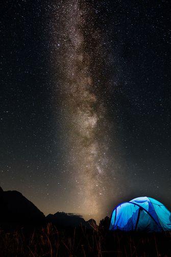 wildkamperen in zwitserland, tent, coronaproof reizen