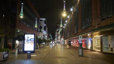 Een foto van lege straten tijdens de lockdown. De Britse variant van het coronavirus verlengt die lockdown
