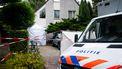 De politie is onder leiding van het Openbaar Ministerie bezig met een groot onderzoek. Vandaag werd er de hele dag onderzoek gedaan in en rond de woning, die met witte schermen is afgezet.