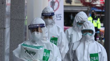 Twee Zuid-Koreaanse coronapatiënten genezen door bloedplasma