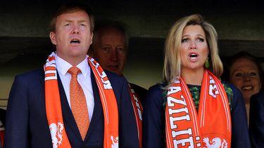Koning Willem-Alexander en koningin Máxima zingen het Wilhelmus met de juist tekst, gaan we vanuit.