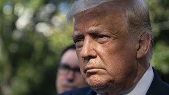 Op deze foto zie je president Trump