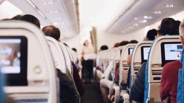 Dronken vrouw wil medepassagiers lid maken van 'mile high club'