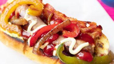 Wat eten we vandaag? Hotdogs met bacon en paprika uit 'The Chef Show'