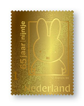 Een foto van de gouden Nijntje-postzegel