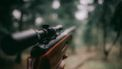Een vuurwapen.