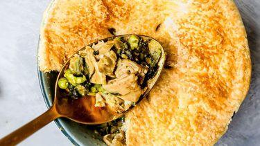 Op deze foto zie je https://www.culy.nl/recepten/chicken-pot-pies