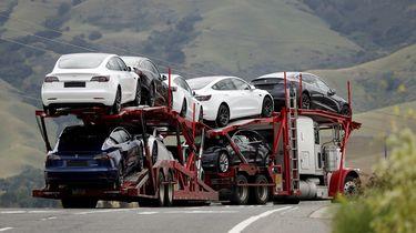Een man bestelde per ongeluk 28 Tesla's.