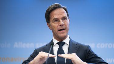 Een foto van Rutte tijdens de persconferentie over de coronamaatregelen