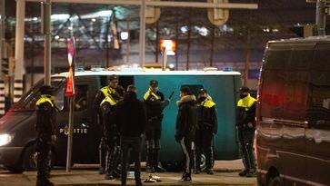 Politie houdt 17 mensen aan in Rotterdam