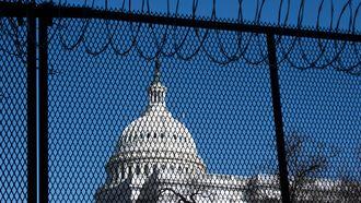 Een foto van het hek rondom het Capitool