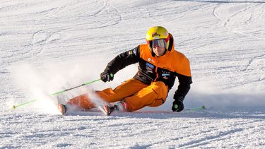 Maarten Meiners: 'Ik geniet dagelijks van het skiën zelf. Van het stap voor stap beter worden. Het optimaliseren van de bocht om steeds sneller te worden.' / Niels Onderwater