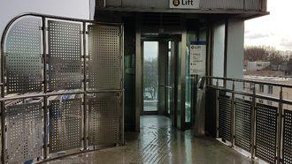 De lift op metrostation Zuidplein. Hier vond de fatale vechtpartij plaats. / POLITIE