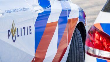 Automobilist bewusteloos op snelweg gevonden, politie zoekt bestuurder