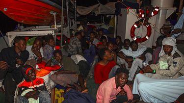 Schip Lifeline met migranten mag Malta nog niet in