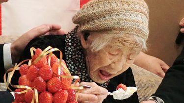 De 117-jarige Kane Tanaka is vanaf vandaag niet alleen de oudste vrouw ter wereld, maar ook de oudste Japanse ooit.
