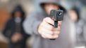 Politie schiet bij arrestatie van gewapende carjacker in Zaandam