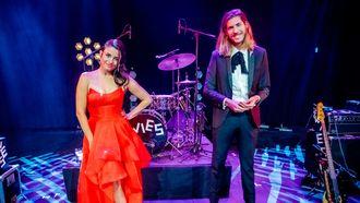 Een foto van Eva Koreman en Frank van der Lende bij de 3FM Awards