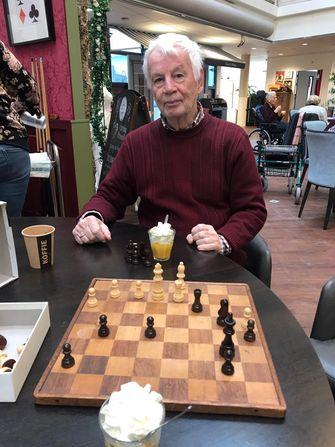 Robert doet oproep voor zijn dementerende vader: 'Wie wordt zijn schaakmaatje?'
